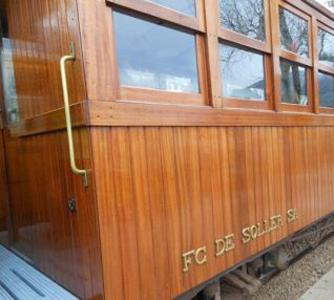 Alter Holz-Waggon vom Zug nach Sóller